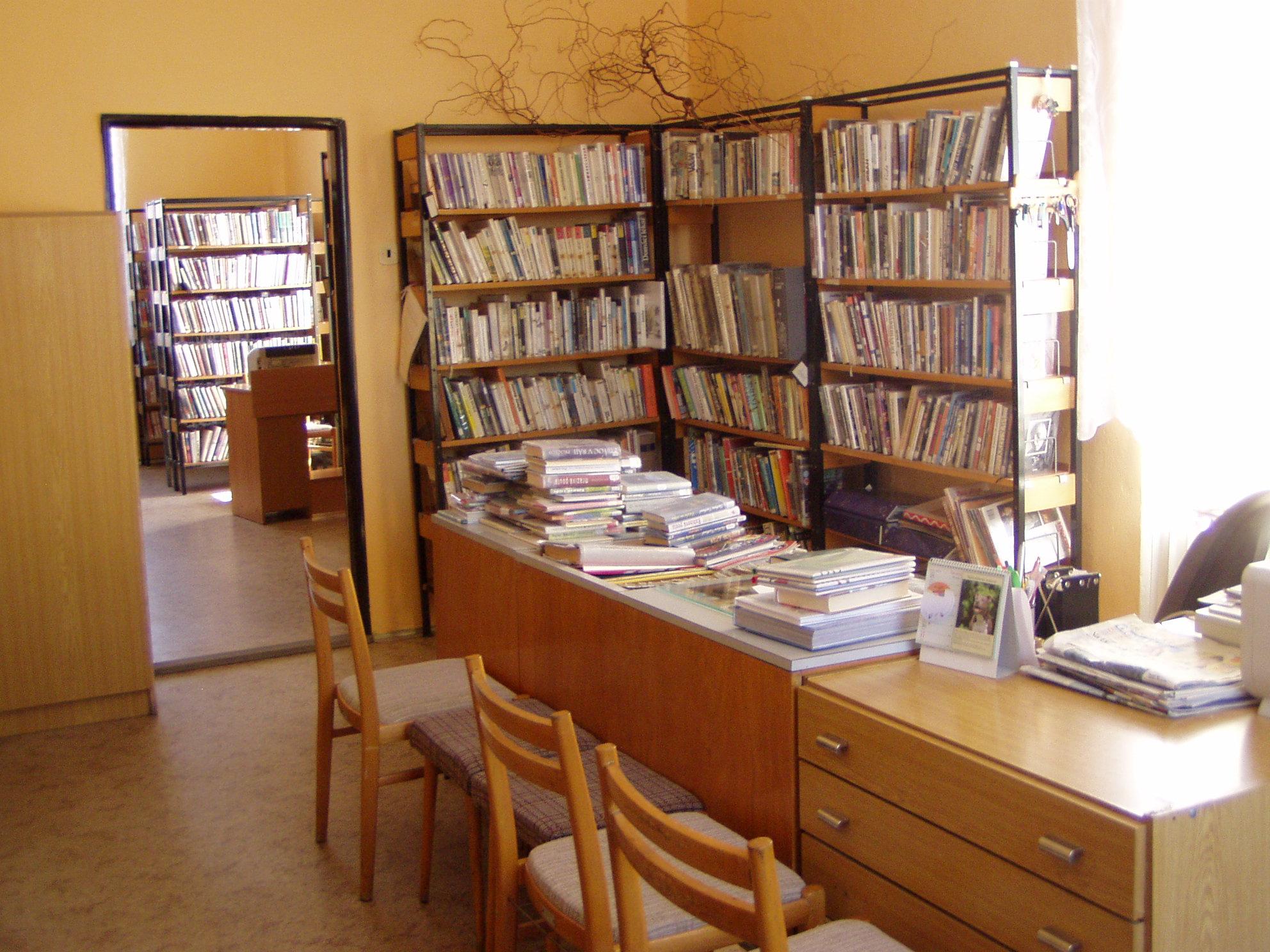 OBRÁZEK : knihovna_hlavni.jpg